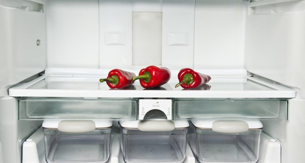 冷蔵庫の中にあるトウガラシ